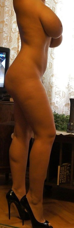 Amateur-Wife-00221