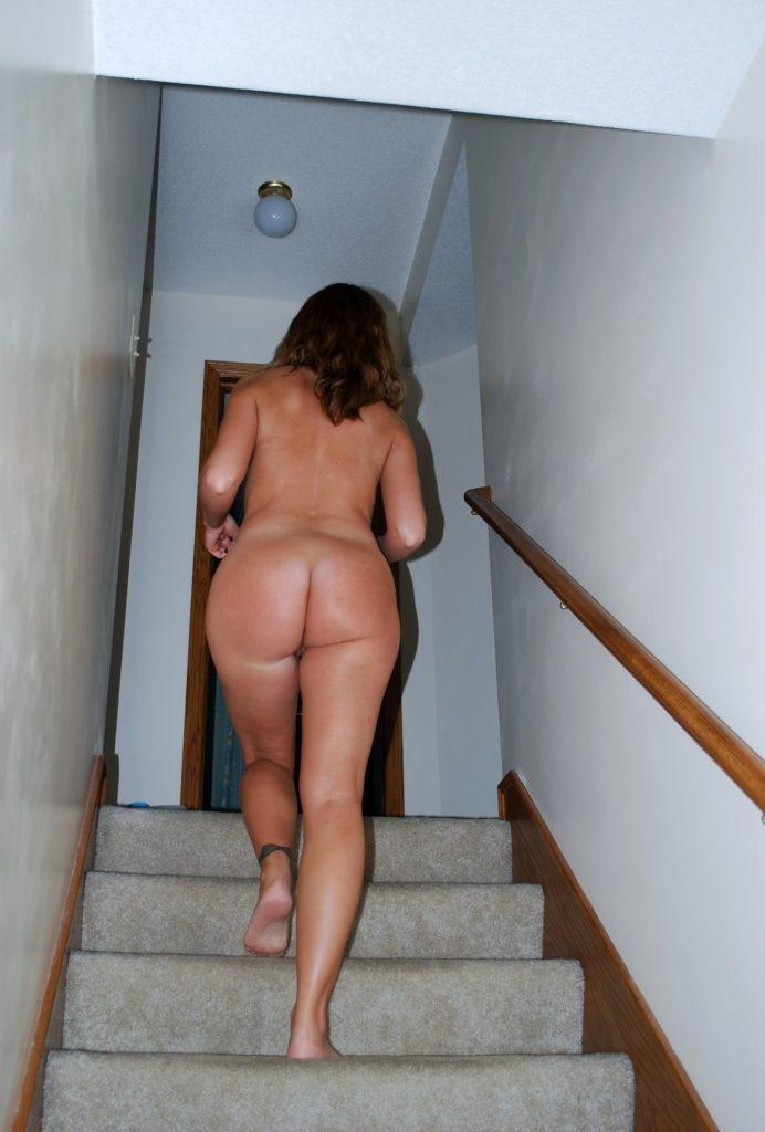 Amateur-Wife-00245-692x1024