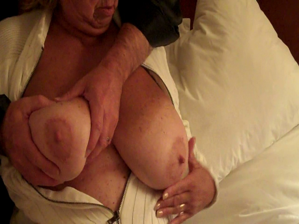 Amateur-Wife-00486