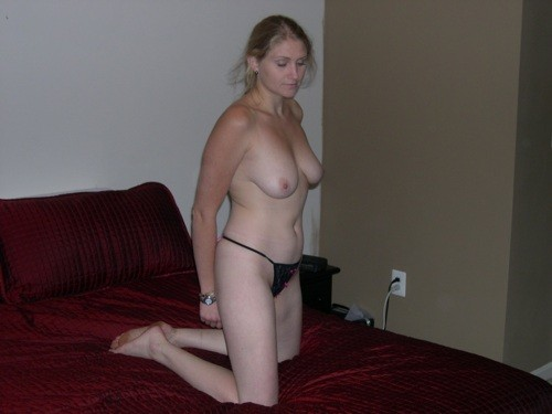 Hot-Wives-00053