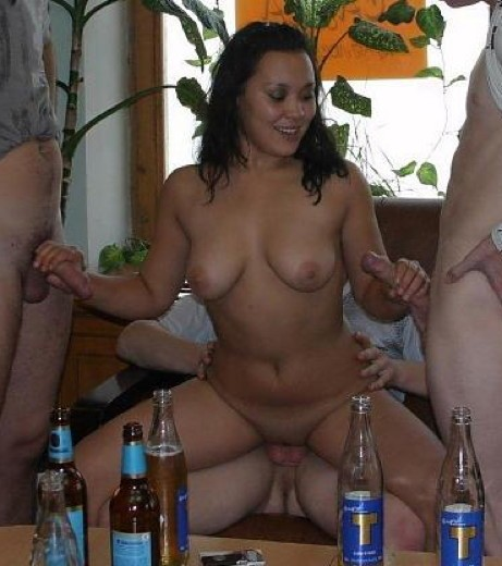 Hot-Wives-00406