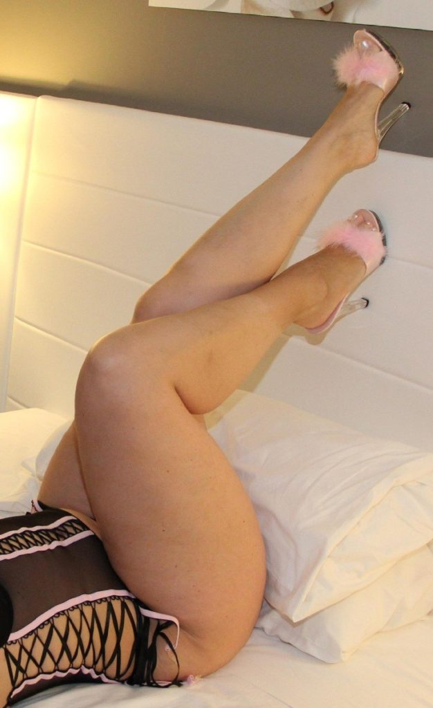 Wife-Sharing-00321-626x1024